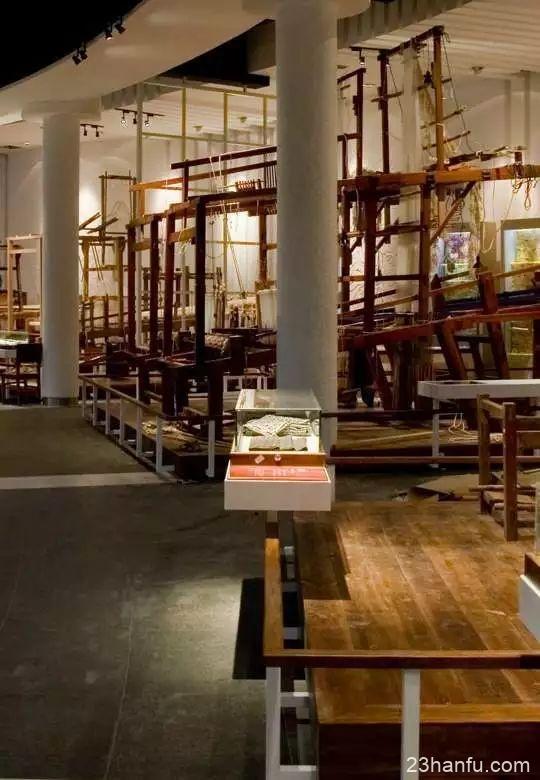 博物馆小蜜蜂:周日穿着汉服去丝博