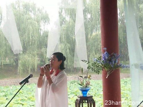 """""""古韵华章 香茗绕梁 梦回汉唐""""汉服游园会在杜甫故里举行"""